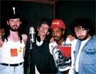 Кейт Ричардс (Rolling Stones) и Стивен   Джордан с «Цветами» на записи альбома. Нью-Йорк